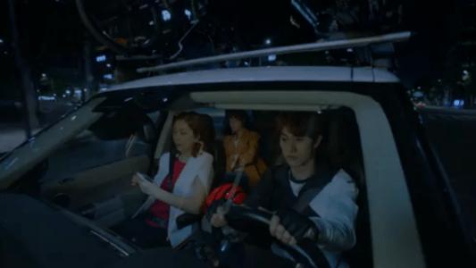 韓国ドラマ「サムマイウェイ」1話 車に乗せてもらうチェ・エラ