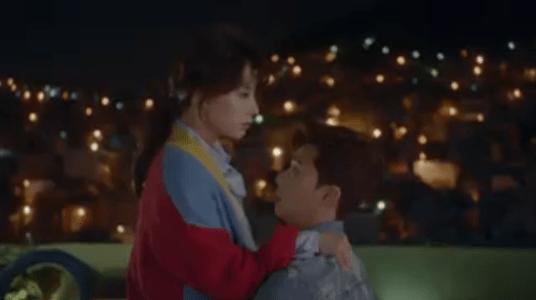 韓国ドラマ「サムマイウェイ」4話 抱き寄せるコ・ドンマン