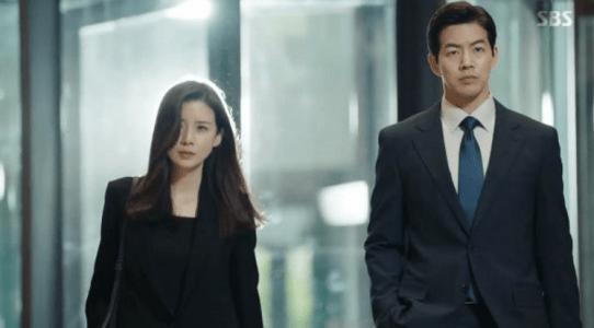 韓国ドラマ「耳打ち(ささやき)」第12話 太白の会議に参加するシン・ヨンジュ