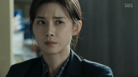 韓国ドラマ「耳打ち(ささやき)」第17話(最終話) 策を練るシン・ヨンジュ
