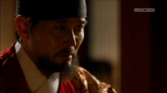 韓国ドラマ「君主(クンジュ)」3話 説明するイ・ユン