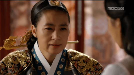 「君主(クンジュ)~仮面の主人~」第8話 事実を伝える王后