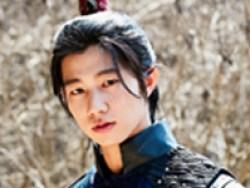 「王は愛する」チャン・ウィ