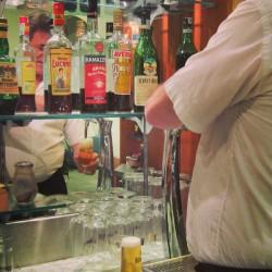 Bier an der Bar