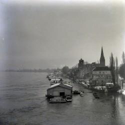 Köln Rodenkirchen, Bootshäuser, Hochwasser 1930er