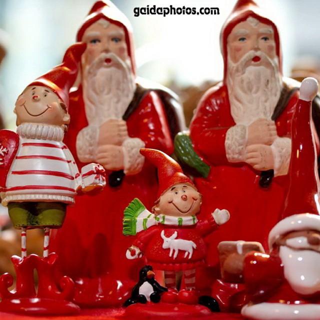 Viele Weoihnachtsmänner