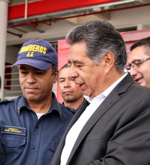Teniente Raúl Riobueno y el alcalde de Soacha Eleázar González.