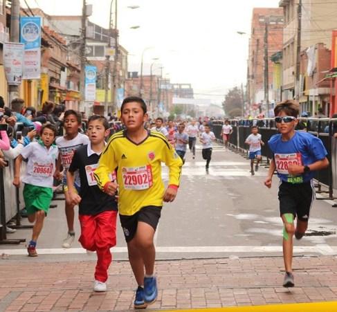 Las nuevas generaciones de atletas soachunos animaron la competencia.