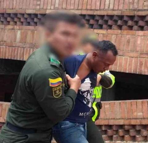 """El hombre capturado fue identificado como Amaury García Berrocal, alias """"Niche""""."""