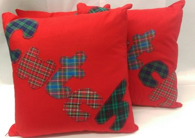 cwtch cushion in red