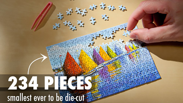 worlds-smallest-jigsaw-puzzle-table