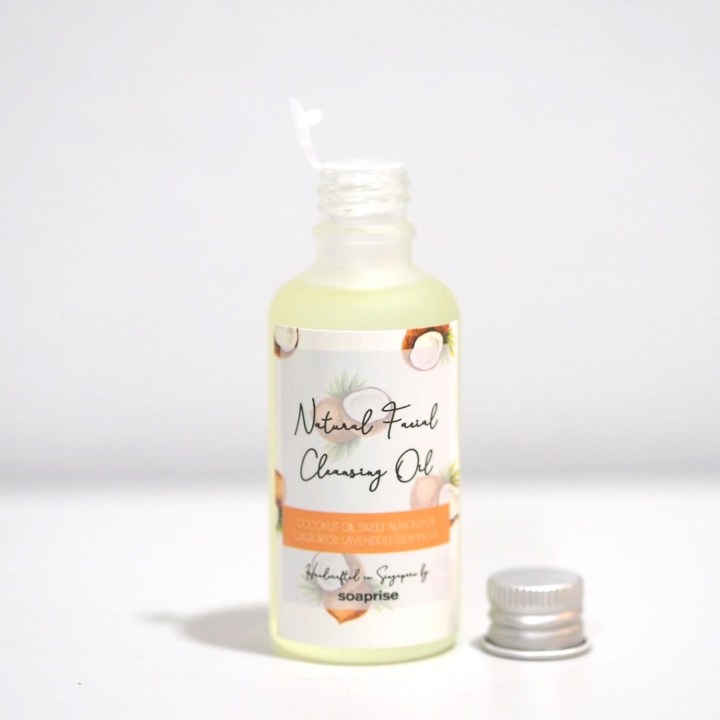 coconut natural cleansing oil