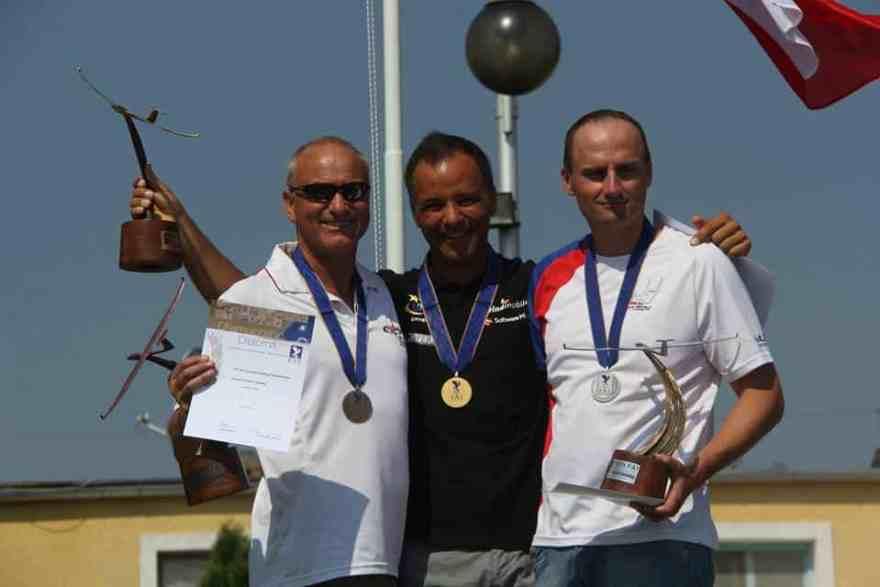 zzzEGC 18 m. winners