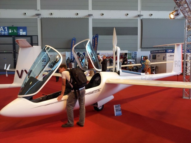 Schleicher also displayed their ASH 30 Mi of which serial number 4 has just been built.