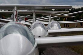 Zweefvliegtuigen in Rayskala by Katja