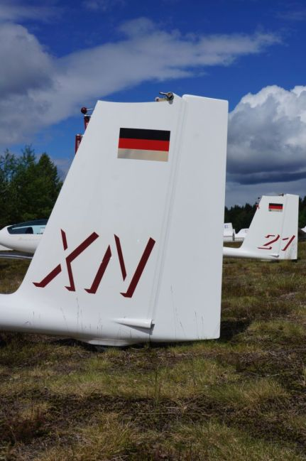 the Belgian team's gliders