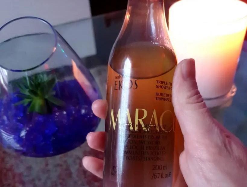 L'huile de douche triphasée Ekos Maracujá de Natura Brasil