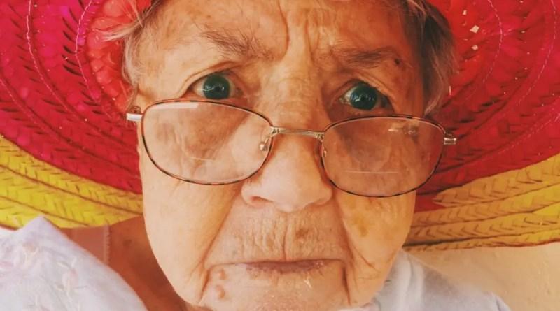 Traitements de raffermissement de la peau du visage