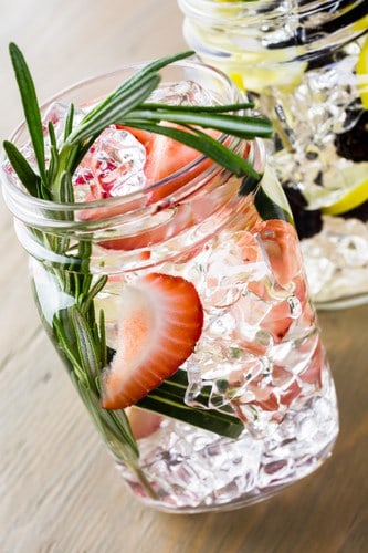 strawberry mint detox water
