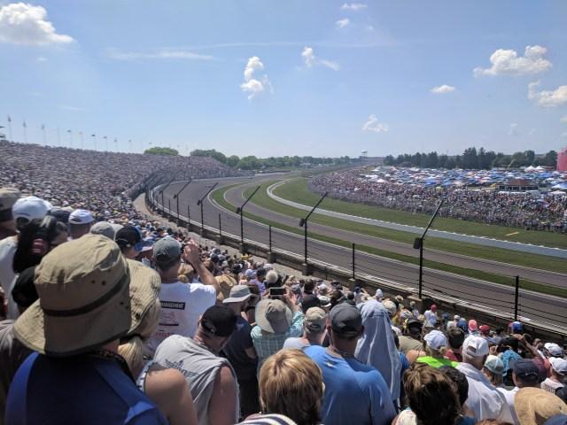 300,000 Indy 500 Fans