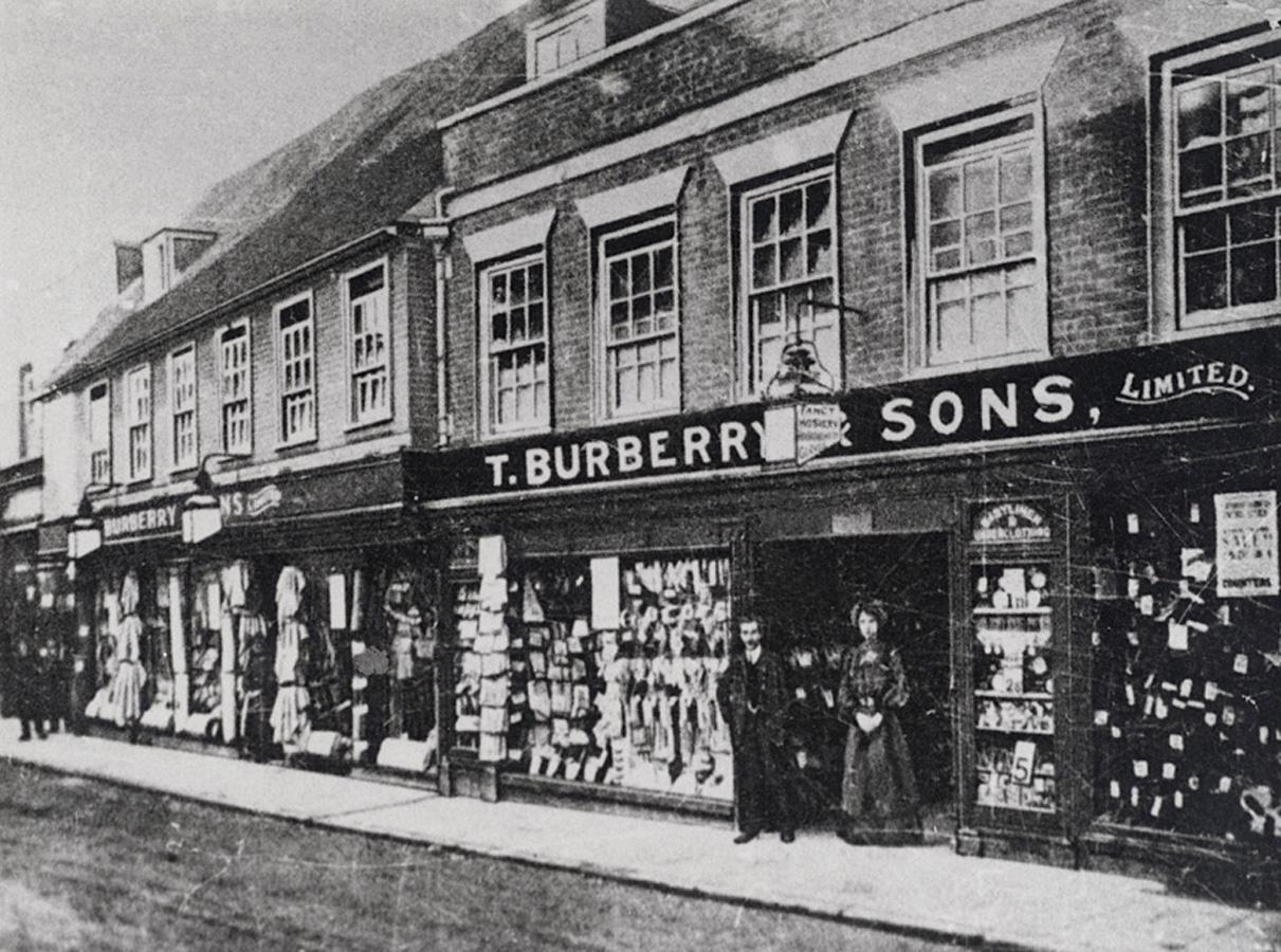 История бренда burberry что нужно для работы вебкам модели