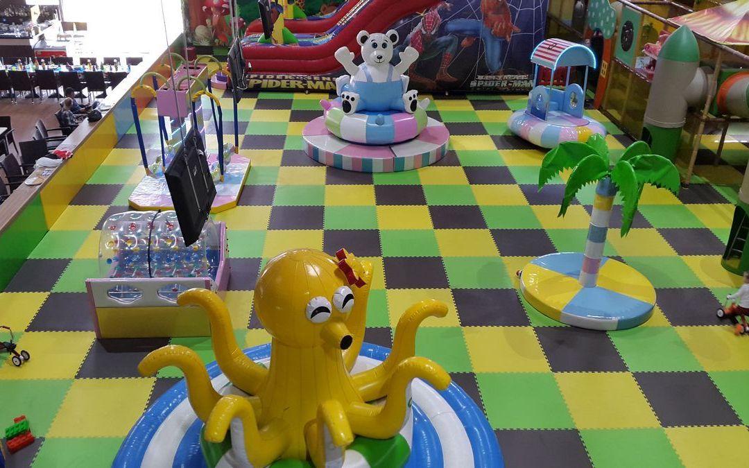 детская игровая комната мягкие модули надувные горки и лабиринт 1