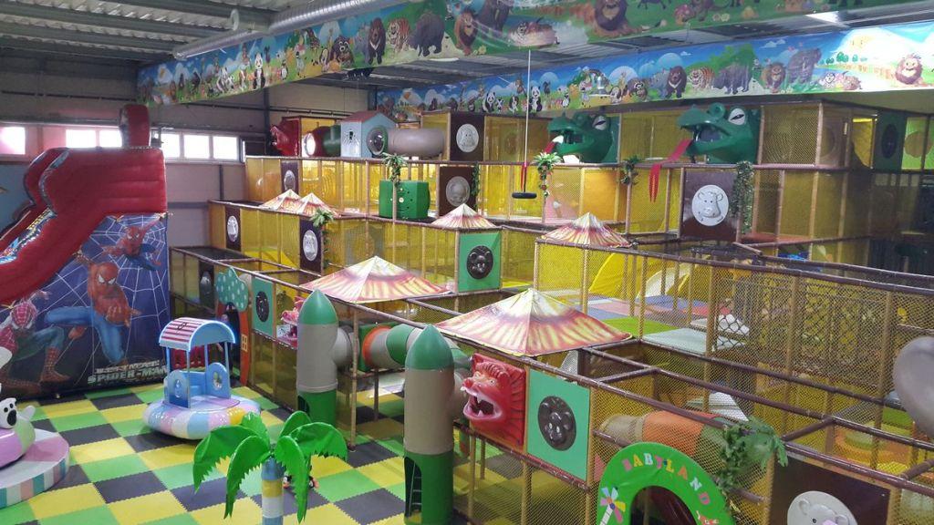 детская игровая комната мягкие модули надувные горки и лабиринт 2