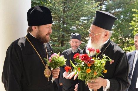 Патриарх Варфоломей, митр. Иларион (Алфеев) и о. Николай Балашов. 21 августа 2011 г.