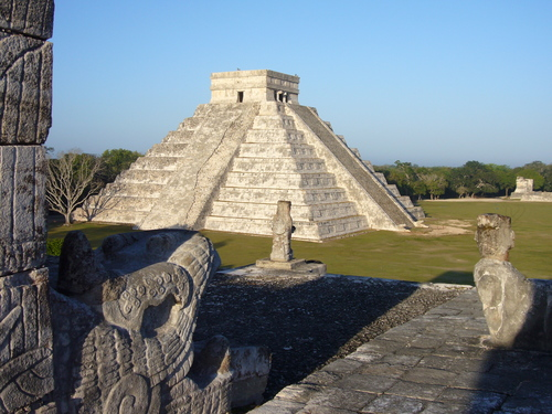 https://i1.wp.com/sobre-mexico.com/wp-content/uploads/2009/12/chichenitza01.jpg