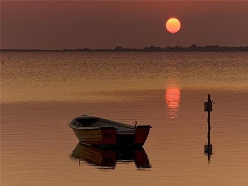 Cae la tarde y el Sol desaparece lentamente, llevándose consigo mi calor prestado