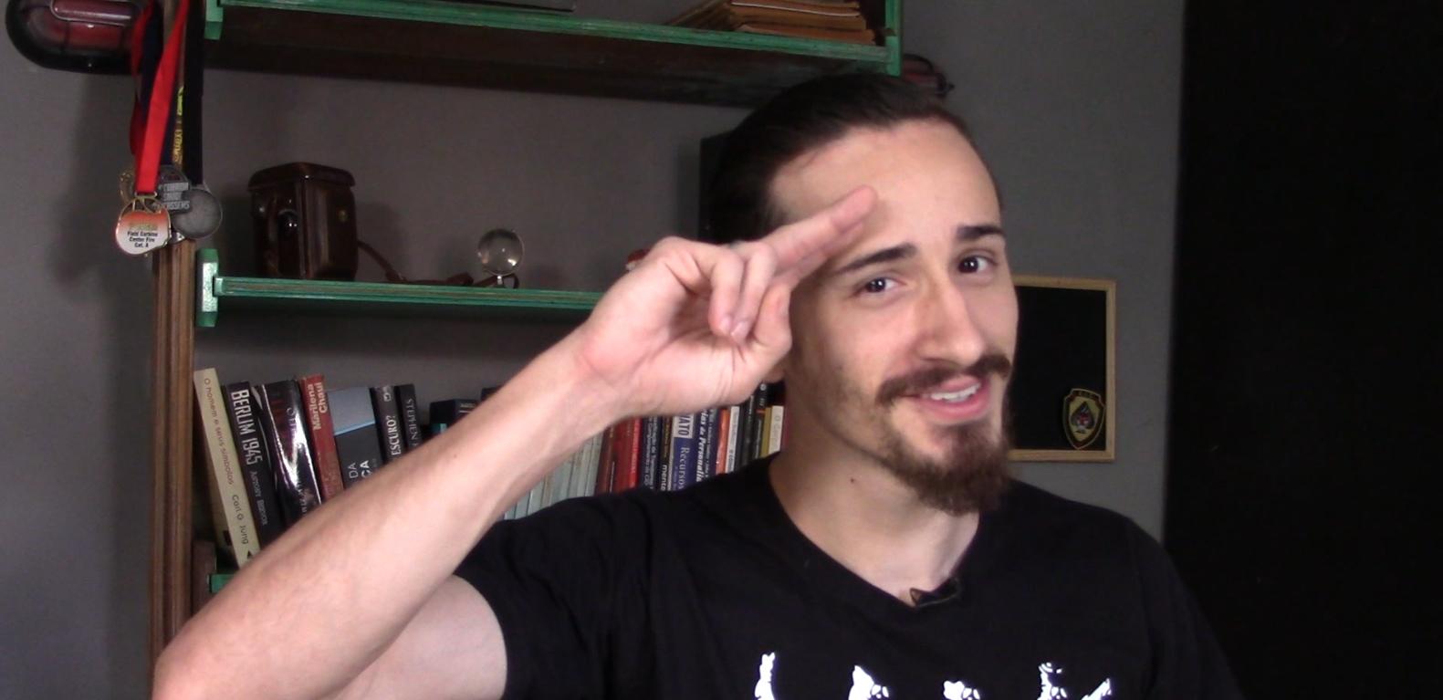 Pergunte ao Lobo 04: Karambit, E-book e câmera nova!