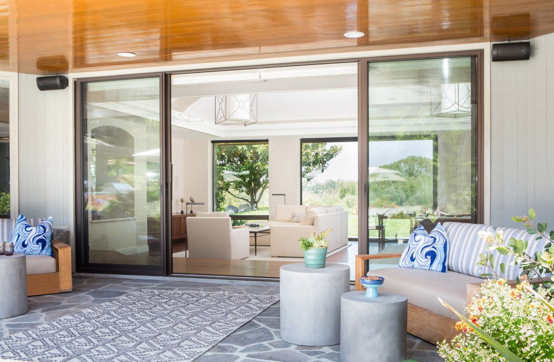 Indoor Outdoor living in Lemon Ranch san diego beach home by Lori Dennis and SoCal Contractor architectural details