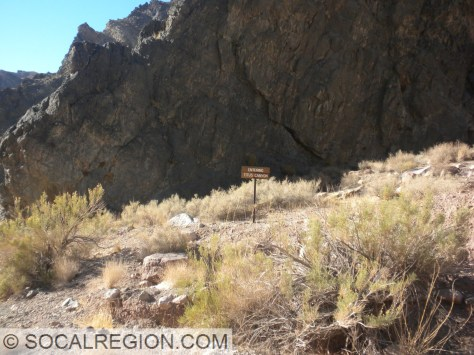 After all that, now I'm really entering the canyon, here is the sign!