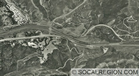 1999 Aerial photo showing Violin Summit and the Templin Highway interchange.