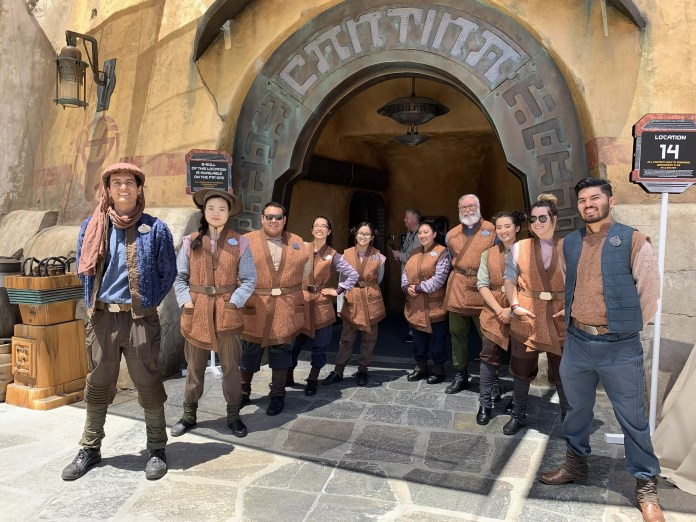 The inhabitants of Batuu and Black Spire Outpost