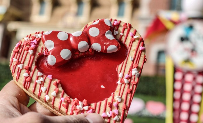 Market House's Heart Shaped Linzer Cookie with Minnie Center