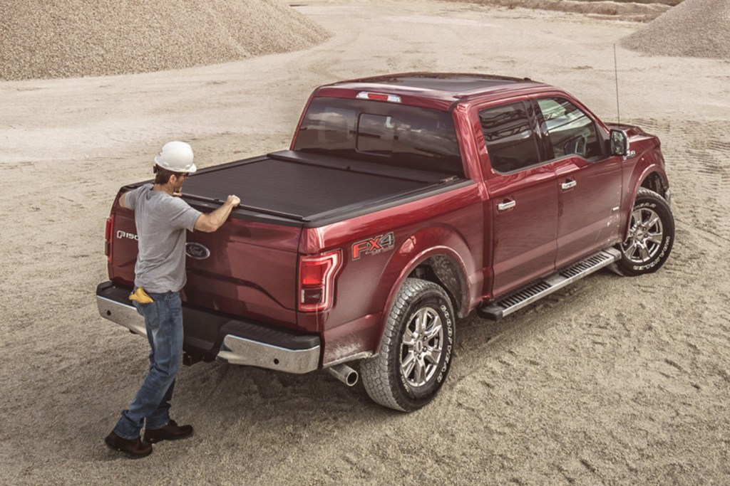 Retractable Truck Covers roll n lock up