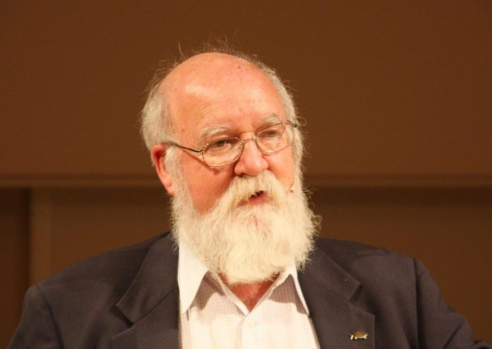 Daniel Dennett at the 17. Göttinger Literaturherbst, October 19th, 2008, in Göttingen, Germany. 19. October 2008. Source: Self-photographed. Author: User:Mathias Schindler. (CC BY-SA 3.0)