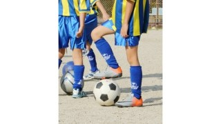 サッカーで後ろにボールタッチするドリブルの練習方法!