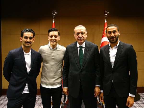 Tanggapan Federasi Sepakbola Jerman Terkait Pengunduran Diri Ozil
