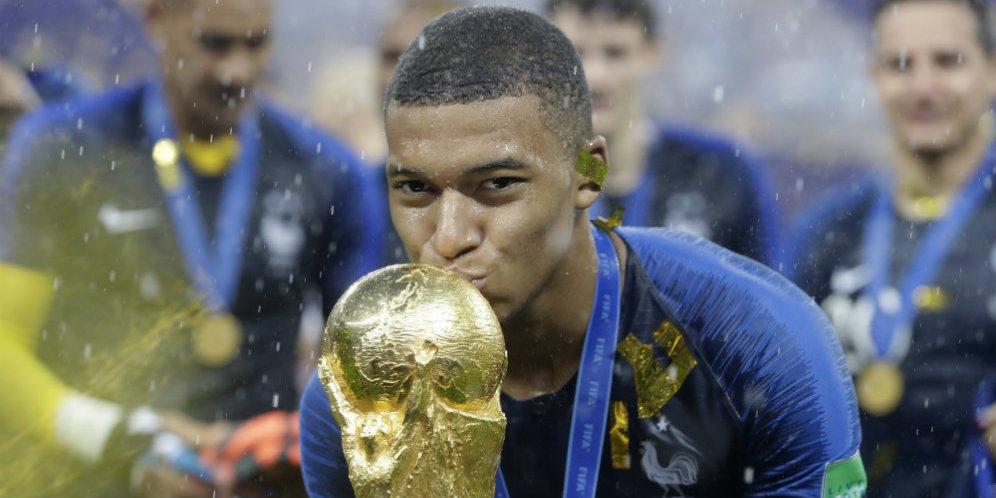 """Mbappe Sang """"Pembunuh"""" Sosok Neymar Di PSG"""