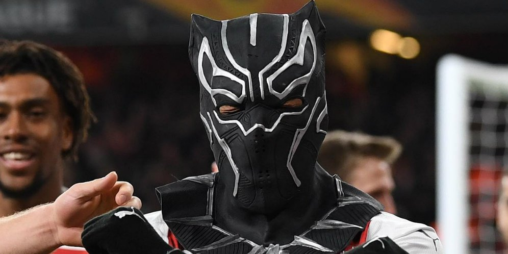 Black Phanter Muncul Di Emirates Stadium, WAKANDA FOREVER !