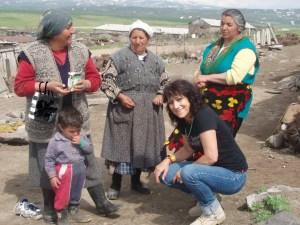Sur les hauts plateaux volcaniques d'Aghmangan, enquête dans un village peuplé durant l'été par des familles de transhumants © F. A-C., 2013