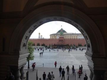21 - Entrée du mausolée de Lénine ©Toinet