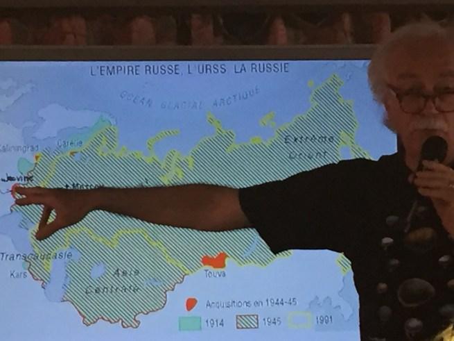 Jean Radvanyi lors de sa conférence intitulée « Quand Poutine se fait géographe »