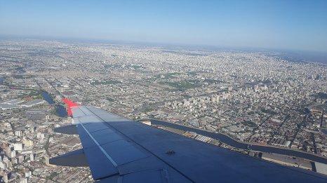 Buenos Aires vu du ciel avec vue sur l'estuaire du Rio de la Plata, le plus large du monde (200km) _ Photo de Rémy