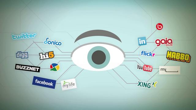 Businesses should know that in social media, the center of their efforts should be the customers. (Image: Jose P. Ramirez Rojo (CC) via Flickr)