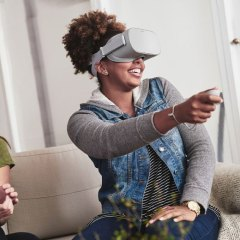 Facebook adds multi-user, app-sharing features to Oculus Quest