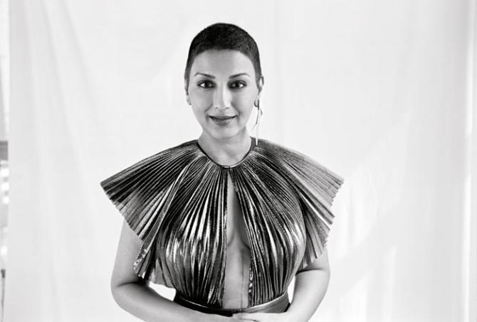 #ScarsAreBeautiful: Sonali Bendre proudly flaunts her 20-inch cancer scar
