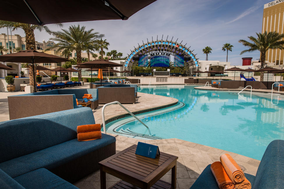 Daylight Beach Club | Las Vegas Dayclub | Social Crowd Media